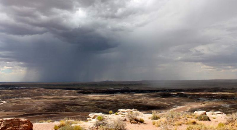 painted-desert-storm-coming-in