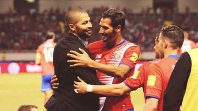 Photo of Fedefutbol homenajeó a Álvaro Saborío por su trayectoria en la tricolor