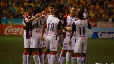 Photo of Ocho jugadores fuera de Alajuelense