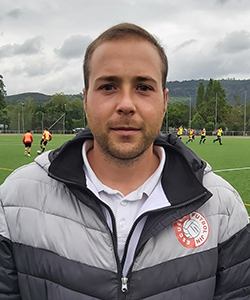 Adrián (entrenador)