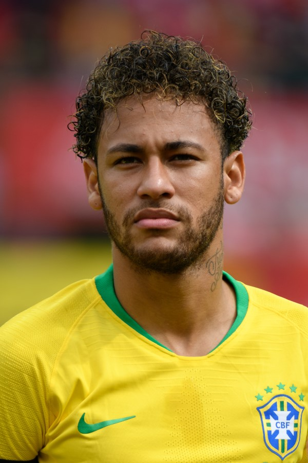 Los problemas se multiplican para el jugador de fútbol Neymar afectando a su imagen profesional y por lo tanto a toda su actividad.