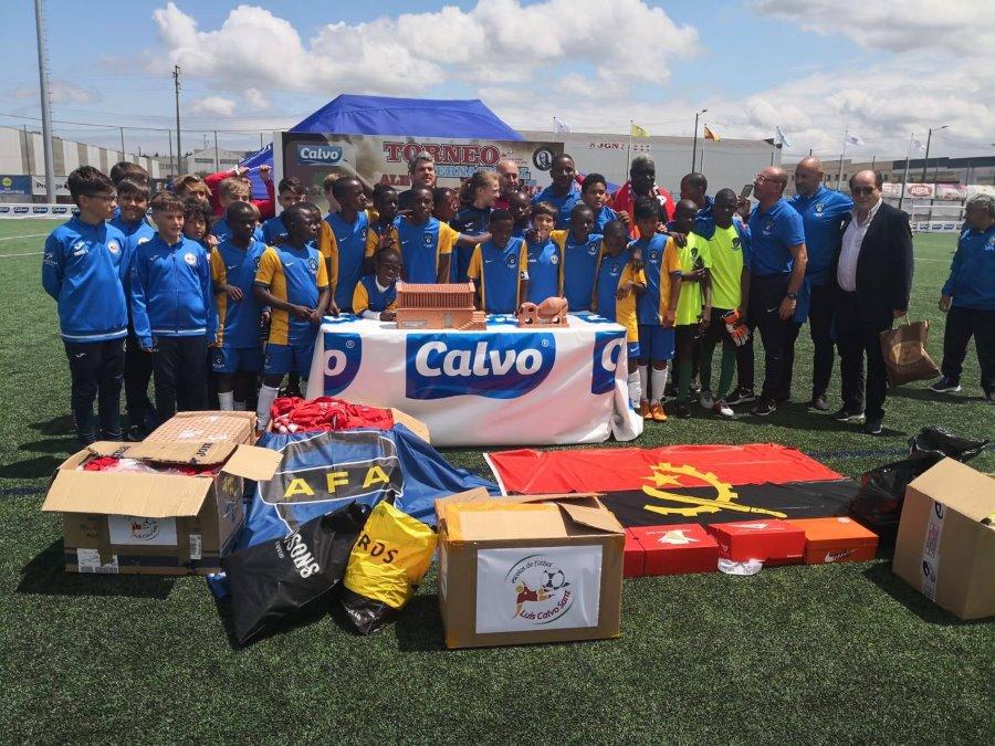 XV Torneo Internacional Infantil de Fútbol 7 de Carballo 2019. AFA Campeón. Celebración 05. José Luís Gallardo y Toni Cortés