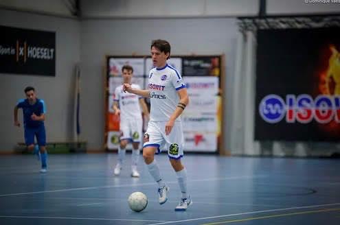 Maxime Van de Paer(Pibo Hoeselt): 'De beste speler loopt bij ons rond'
