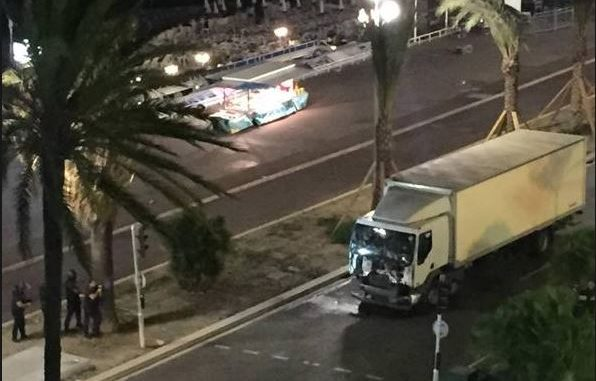 Camion-Attentato-Nizza-596x381
