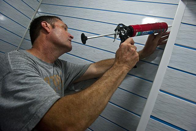 guns - The 7 Best Caulking Guns That Take the Hard Work Out Of Sealing Cracks