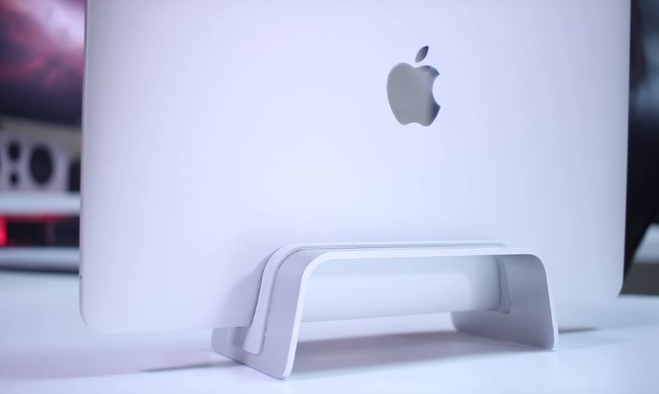 the-best-macbook-pro-vertical-stands