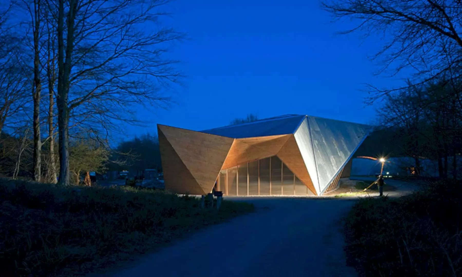 Hooke Park Big Shed: A New Sheltered Workspace for Research into Architectural Systems