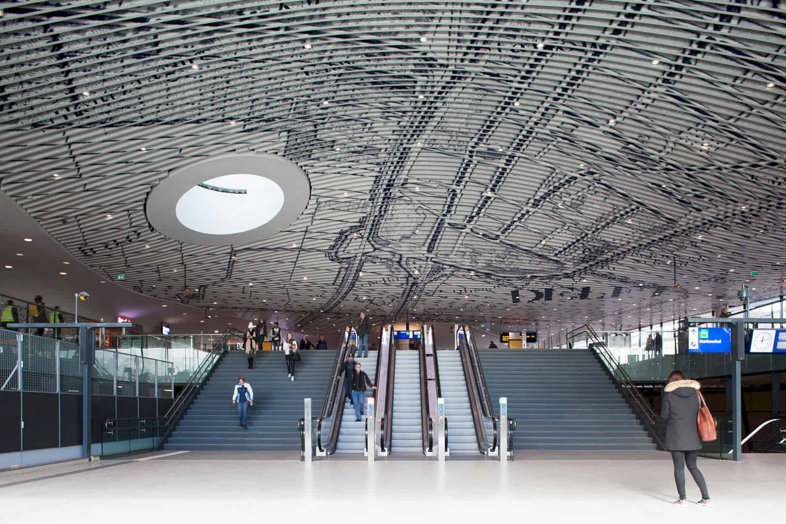 Municipal Offices and Train Station: Forming a New Landmark in Delft, Netherlands