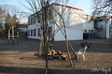 Der Hof für die SchülerInnen der Schulanfangsphase
