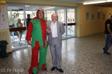 Unser stellvertretender Schulleiter Herr Hünecke zusammen mit unserem Till
