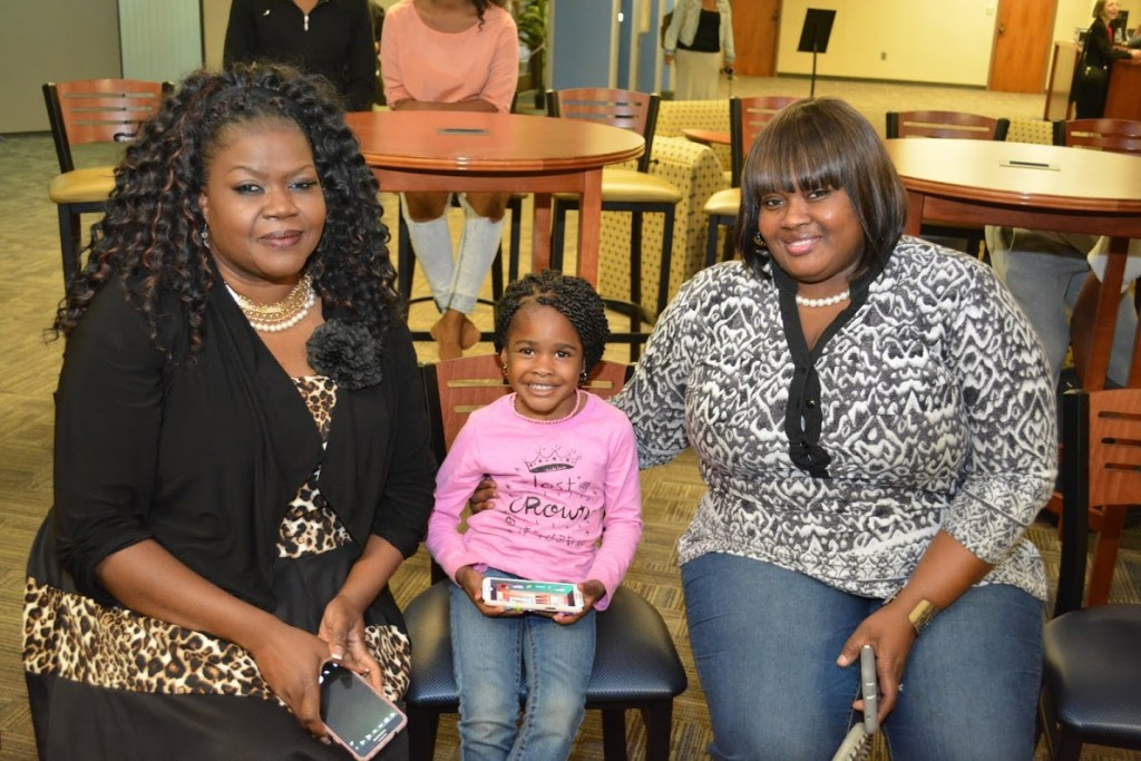 Audience members at the Randall Barnes Book signing.