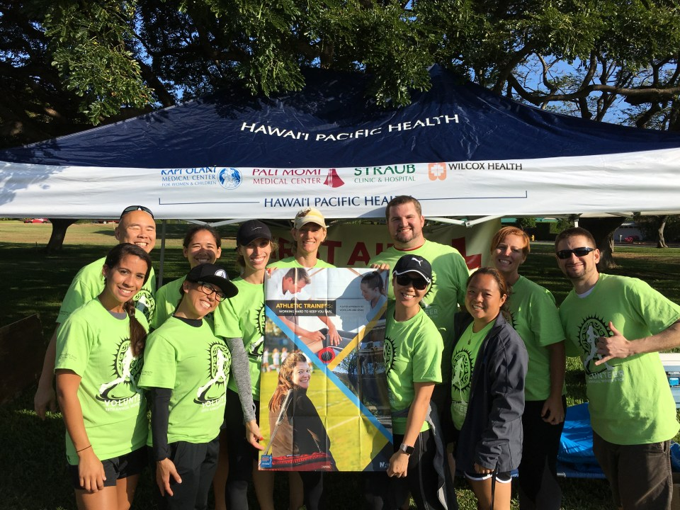 HATA volunteers at Hawaii Pacific Health Women's 10K run