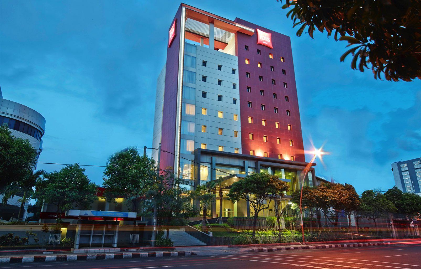1-Ibis-Basuki-Rahmat-Surabaya