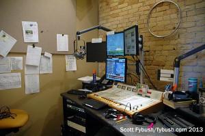 KQLX-FM 106.1