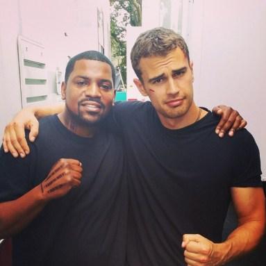 Theo James and Mekhi Phifer hang out on Insurgent set