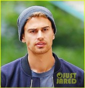 theo-james-divergent-break-nyc-01