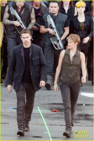 shailene-woodley-theo-james-are-back-to-work-on-insurgent-24