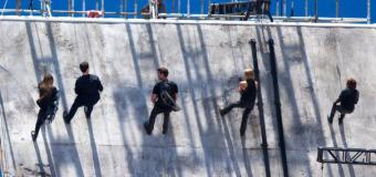 Gallery: Allegiant Actors and Stunt Doubles Scale a Wall On Set