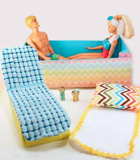 Barbie furniture from garbage! #barbie #upcycle #barbiefurniture #barbiehouse #barbiepool