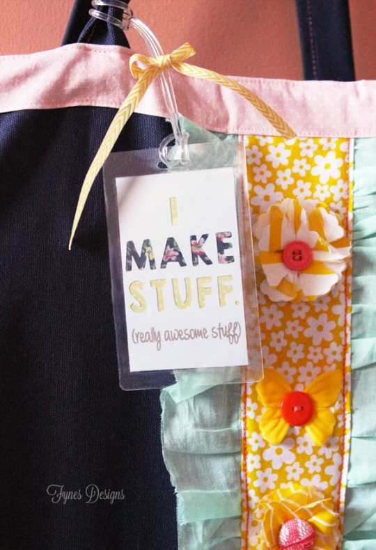 Make these easy personalized luggae tags for your graft bags #XyronInc #luggagetags #scrapbooking #paper #diy #crafts