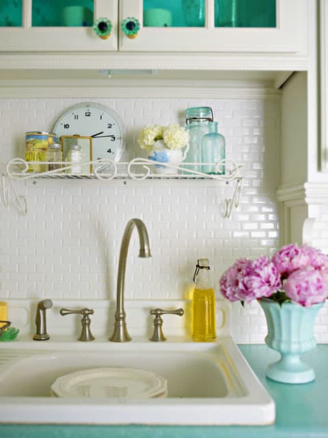 love these tiny backsplash tiles