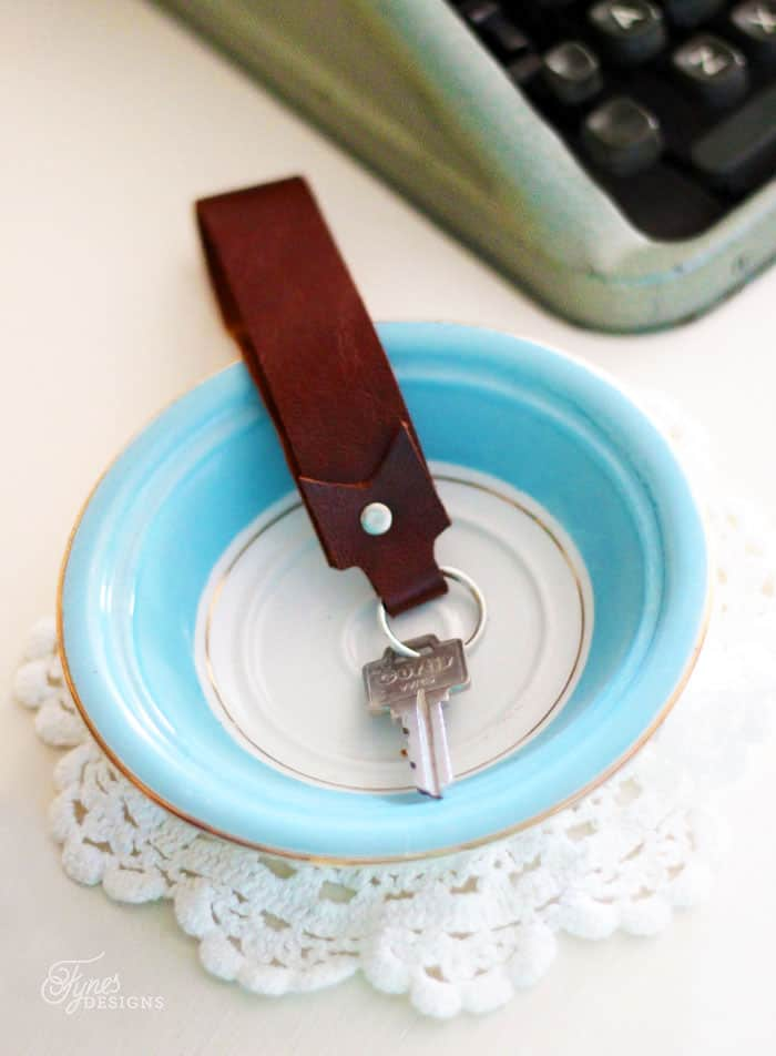 How To make a Leather Key Fob in less than 5 Minutes