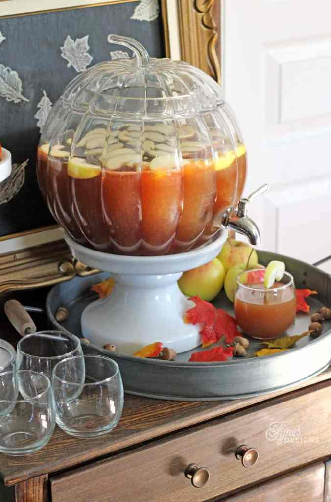 Big Thanksgiving crowd? Try this Apple Cider Punch recipe