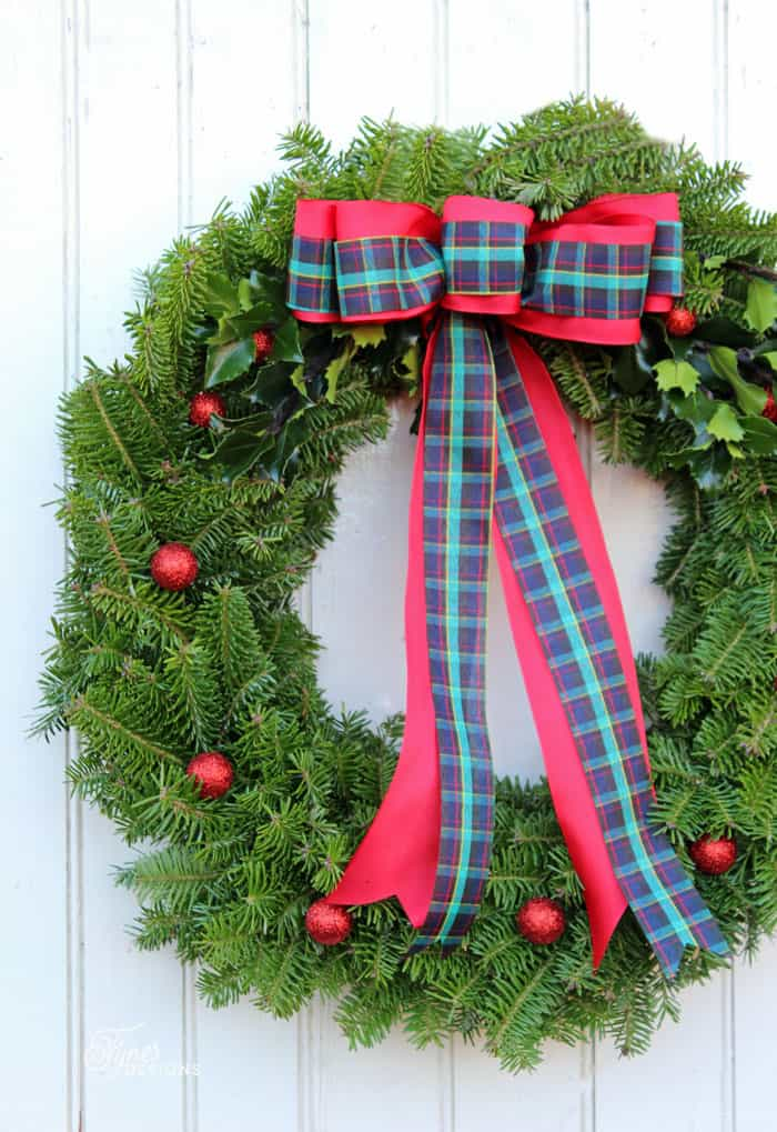 learn to make a traditional christmas wreath with this easy to follow tutorial - Wreath Design Ideas