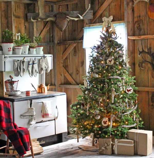 Rustic Christmas decorating
