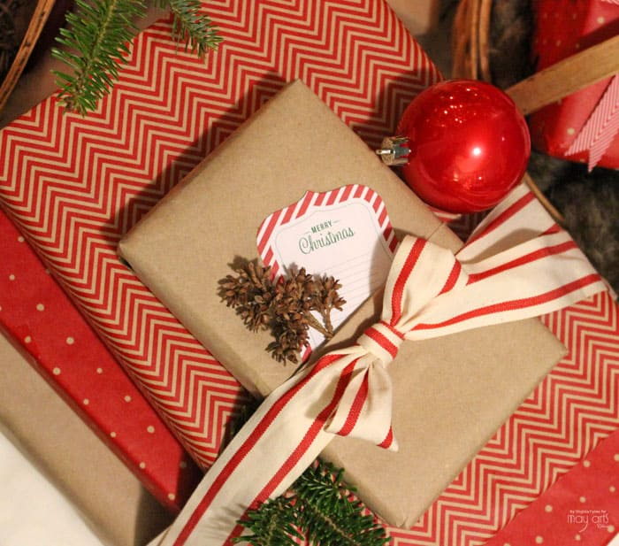 How to make a pocket on your gift wrap