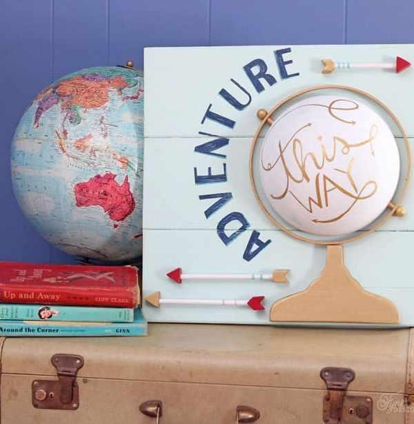 Faux Globe Pallet Art