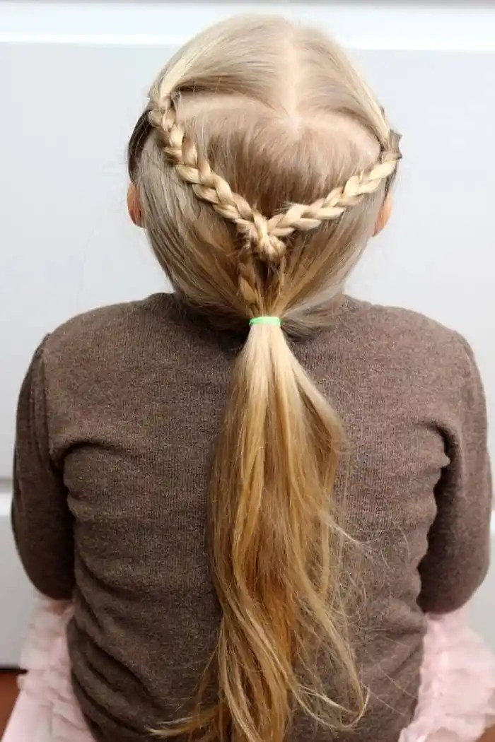 5 Minute School Day Hair Styles - FYNES DESIGNS