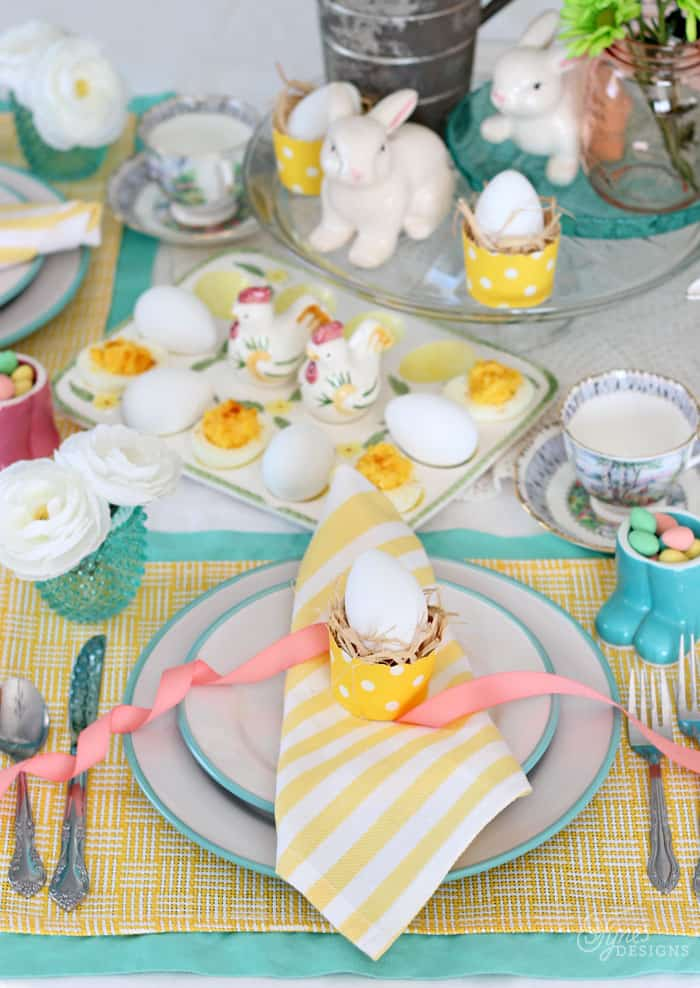 Easter brunch tablescape with cheap ideas to keep your budget low