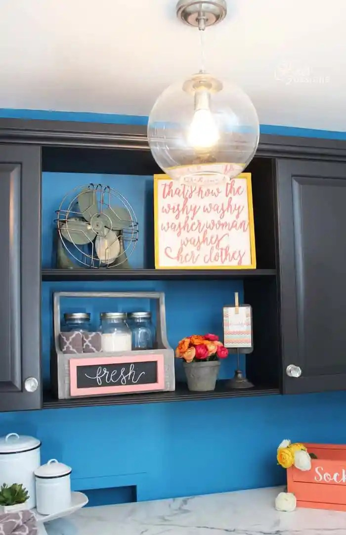 A small laundry room makeover