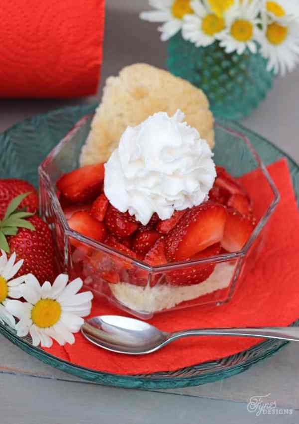 Weight Watchers Strawberry Shortcake Recipe #RenovaCanada