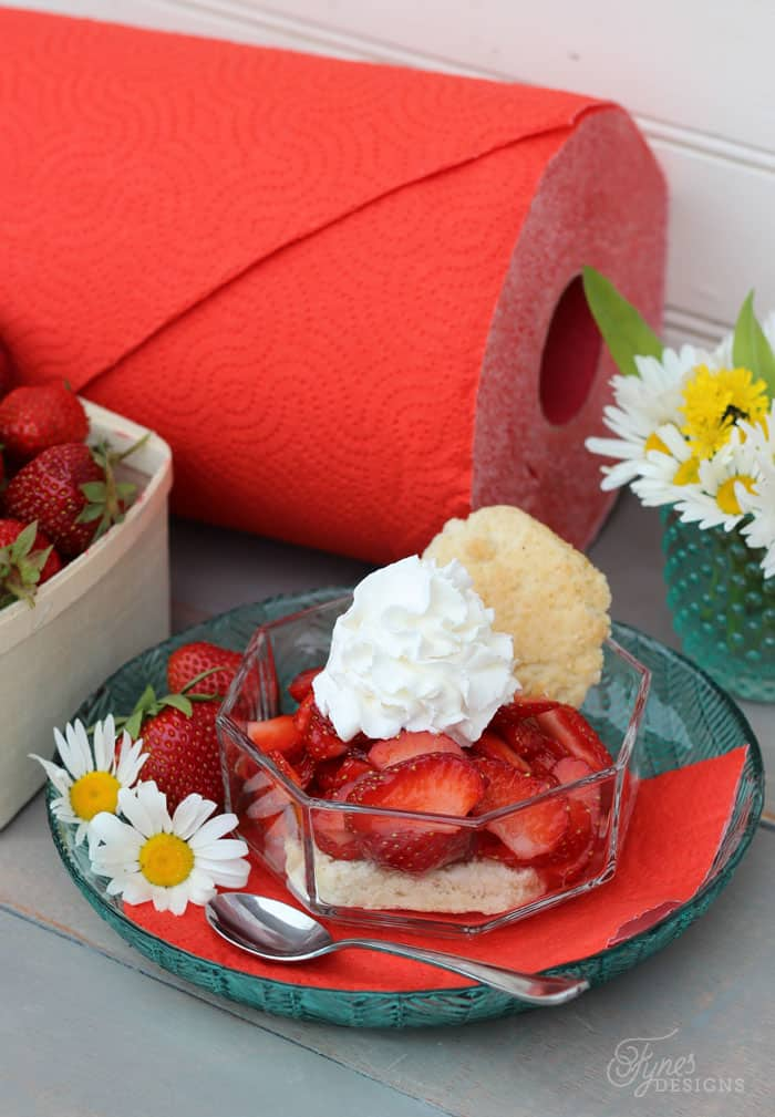 Weight Watchers Strawberry Shortcake Recipe featured by top US lifestyle blog, FYNES DESIGNS: ONLY 2 points per serving!!