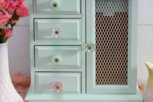 old Jewelry box makeover, with paint and new hardware