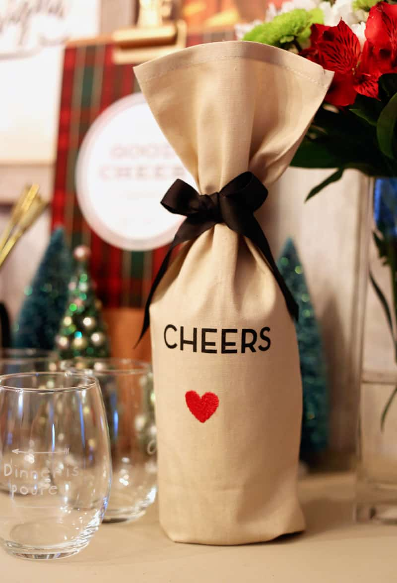 perfect way to give a wine gift this year. Personalized wine bags from Shutterfly