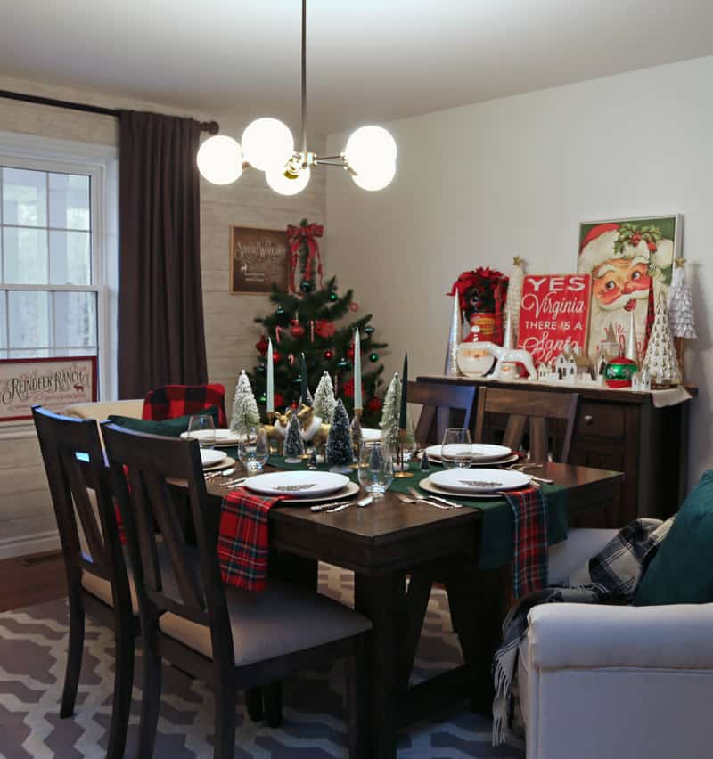 Christmas dining room table setting