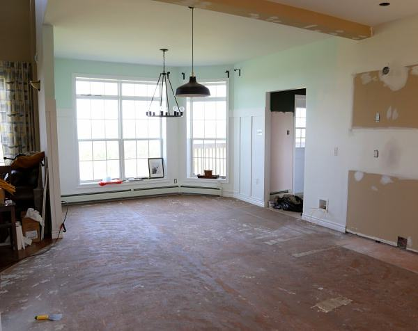 kitchen remodel- painted wainscotting