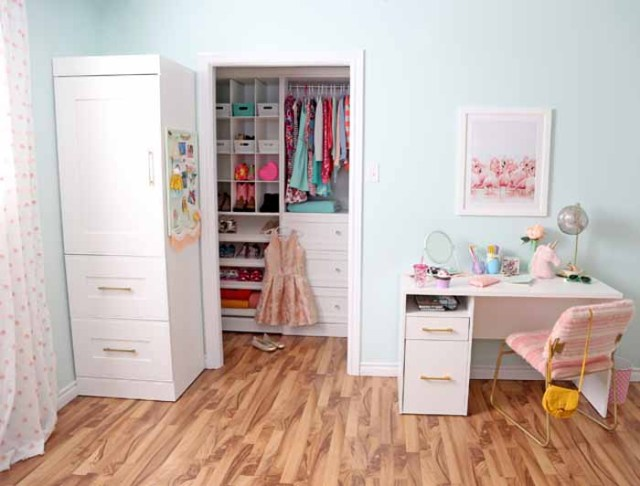 Tween girl bedroom walk in closet