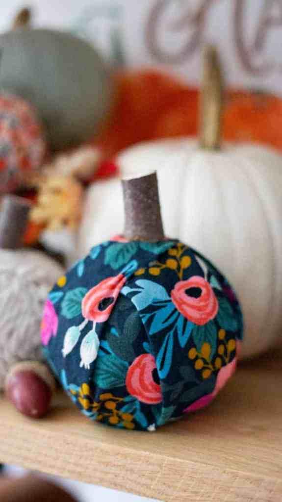 Fal decoration ideas- NO-SEW Fabric Pumpkins |Fabric Pumpkins by popular Canada craft blog, Fynes Designs: image of various no-sew fabric pumpkins.