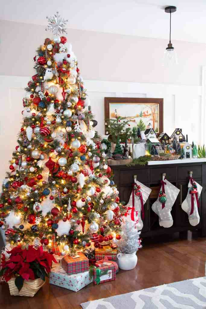 Red and White Christmas Tree Decorating Ideas |Colorful Christmas Decorations by popular Canada Interior Design blog, Fynes Designs: image of a red and white Christmas tree.