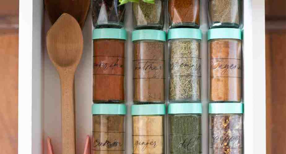 Free Kitchen Pantry Labels for bins and spice jars