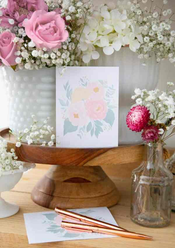 Celebrate Spring in Style: a FREE Printable Floral Card