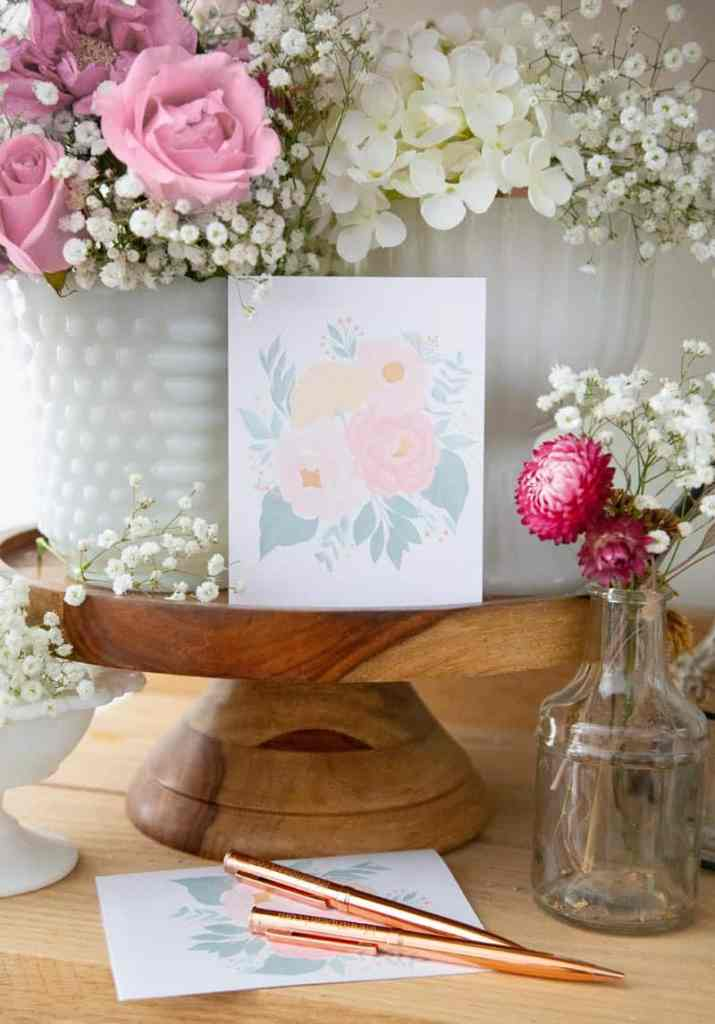 FREE Printable Floral Greeting Card. Print, cut and send a beautiful greeting to a friend! |Printable Floral Card by popular Phoenix lifestyle blog, Love and Specs: image of a free printable floral greeting card.