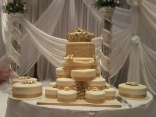 WEDDING CAKES DURBAN In Kingsburgh KZN