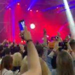 """VIDEO Maneaua """"Așa sunt zilele mele"""" a răsunat și pe una dintre scenele de la Electric Castle / DJ-ul a primit interdicție să mai mixeze vreodată la festivalul din Bonțida"""