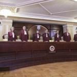 CCR: Nu există conflict constituțional între Parlament și Înalta Curte referitor la constituirea completurilor de trei judecători / Sesizările lui Meleșcanu și Renate Weber au fost respinse