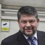 BREAKING: Gelu Oltean, fostul șef al serviciului secret al Ministerului de Interne, arestat preventiv 30 de zile pentru acuzații de trafic de droguri. El ar fi organizat împreună cu Vanessa Youness ședințe de șamanism cu droguri la o clinică
